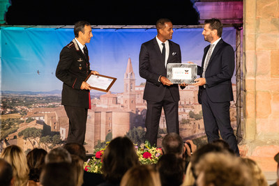 """Patrick Kluivert, """"I valori sociali dello sport"""" (Social Values in Sport) winner"""